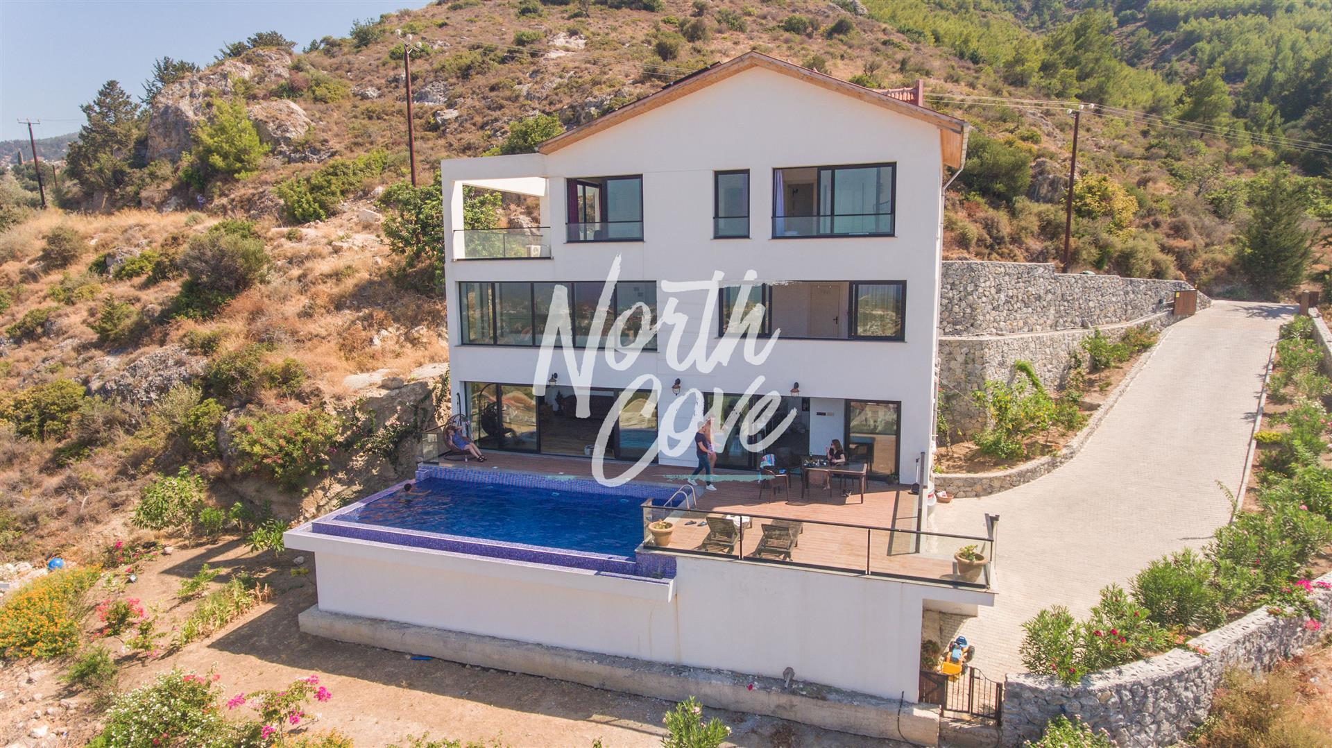 Stunning Views 3 Bed Villa